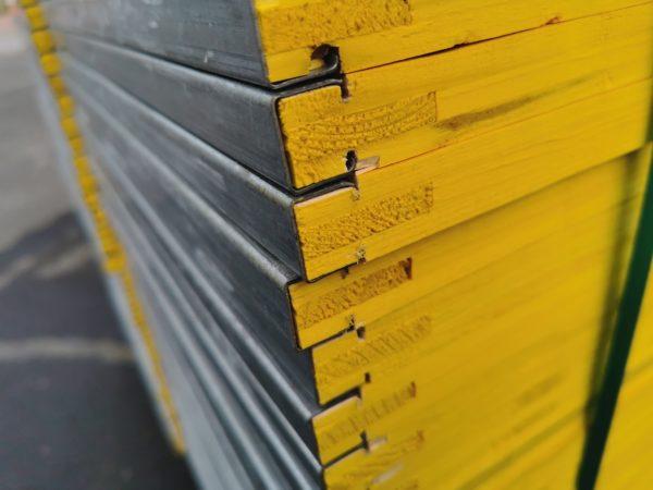 sklejka szalunkowa trójwarstwowa okuta typ C żółta
